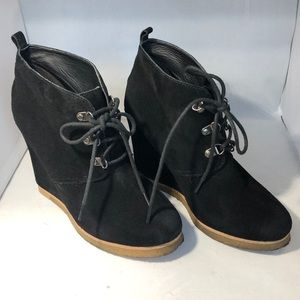 | Steve Madden | Black Tanngoo Wedge Boots/Booties